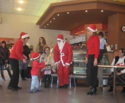 Дядо Коледа и Снежанка MG